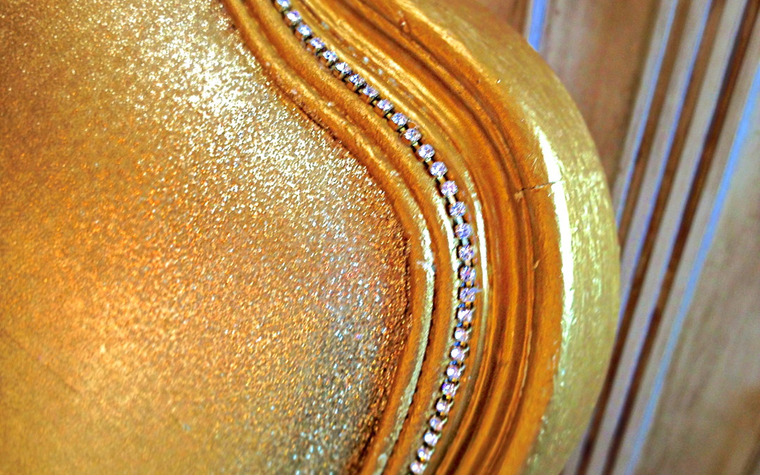 Glitter your Furniture? Yes you can!
