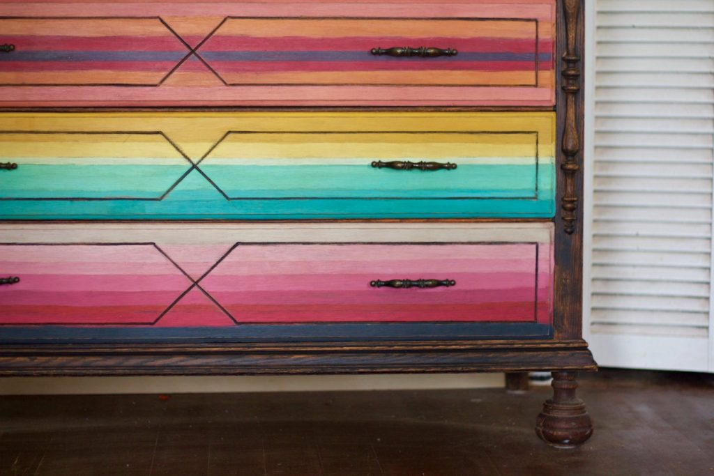 mex-dresser-close-up