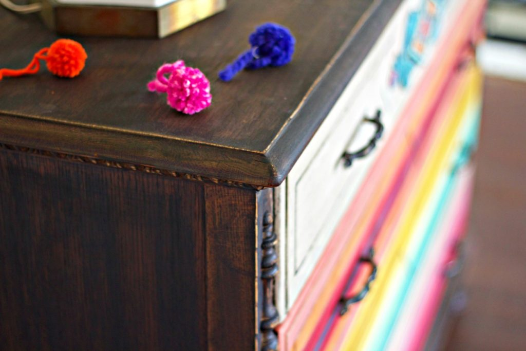 mex-dresser-corner-with-pom-poms