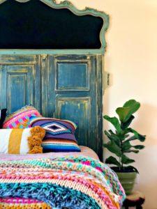 headboard bed pillows