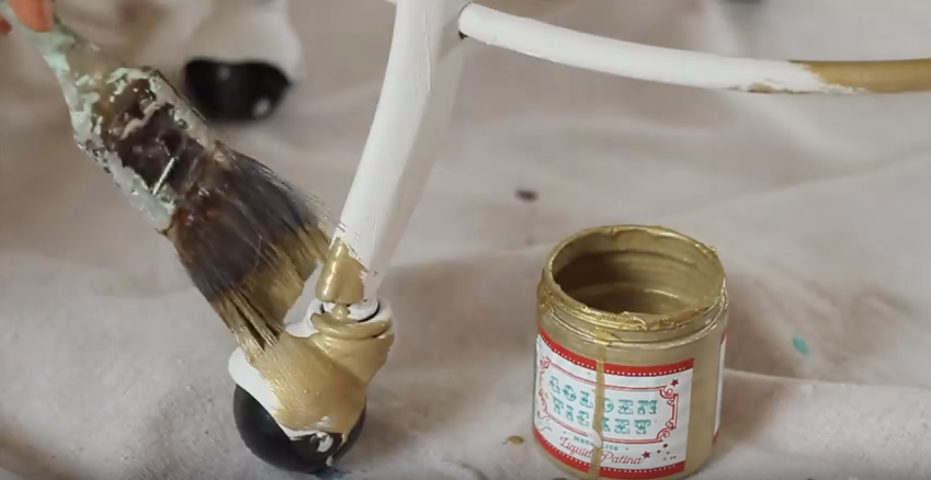 Paint Pour chair base golden ticket