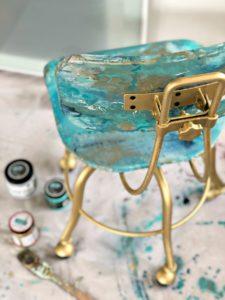 Pour Paint chair back good inside
